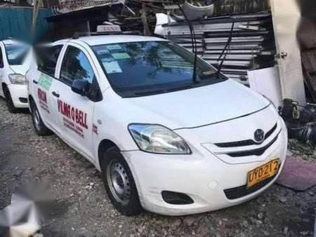 Selling White Toyota Vios for sale in Mandaluyong