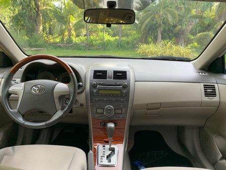 Selling Pearl White Toyota Corolla for sale in San Fernando