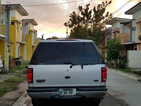 Sell Silver Ford Expedition in Manila
