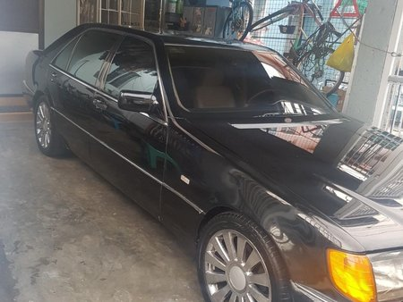 Selling Black Toyota Crown & S500 Vips