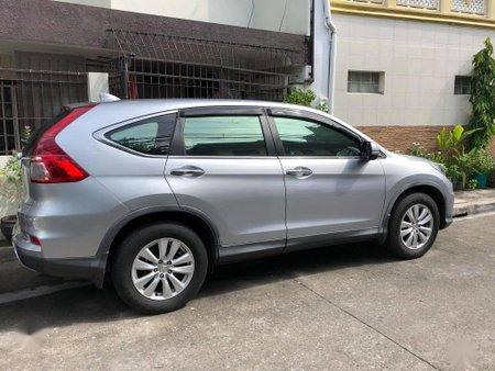 Selling Silver Honda Cr-V in Valenzuela