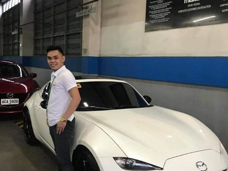 Sell White Mazda 2 in Pasig