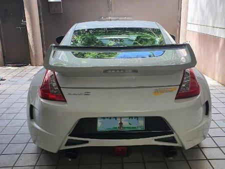 Selling White Nissan 370Z 2009 in Manila