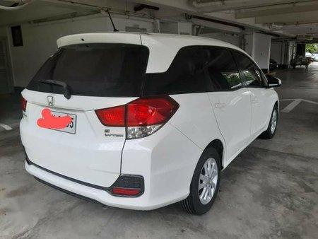 Selling White Honda Mobilio 2015 in Makati