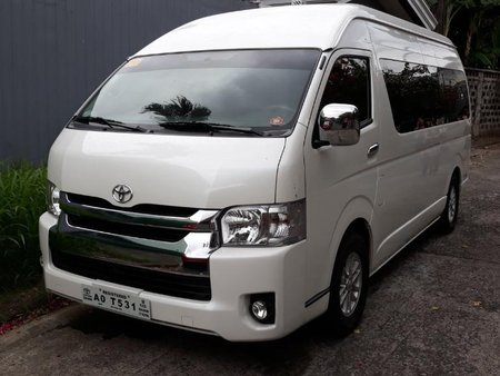 Selling Silver Toyota Grandia in Quezon City