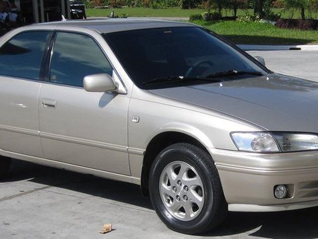 Sell Silver Toyota Camry in Pateros