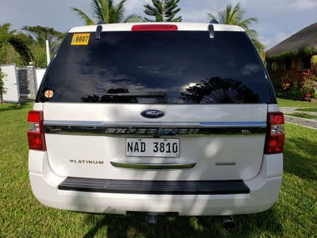 White Ford Expedition 2017 for sale in Muntinlupa