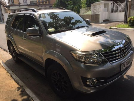 Sell Silver Toyota Fortuner in Quezon City
