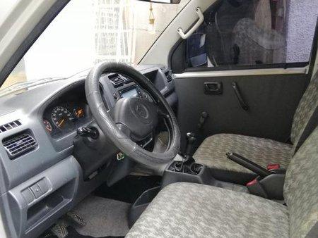 Selling White Suzuki Apv in Quezon City
