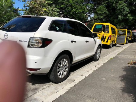 Pearl White Mazda Cx-7 for sale in Caloocan