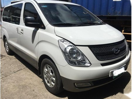 Sell White Hyundai Grand starex in Mandaue