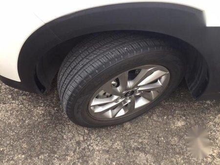 Sell White Hyundai Tucson in Pateros