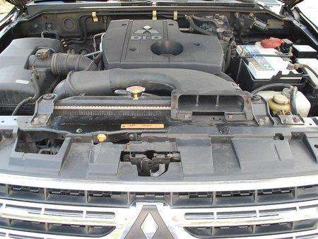 Selling Black Mitsubishi Pajero 2010 in San Fernando