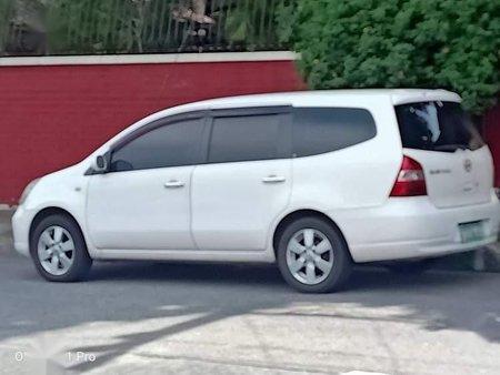 Selling White Nissan Livina in Manila