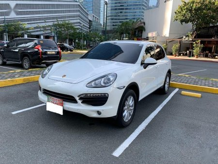 Sell White Porsche Cayenne in Manila