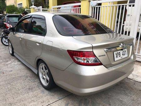 Selling Silver Honda City in Parañaque