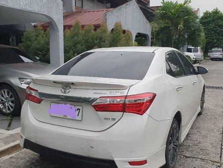 White Toyota Corolla altis for sale in Manila