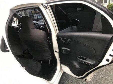 Selling White Honda Brio in Cainta