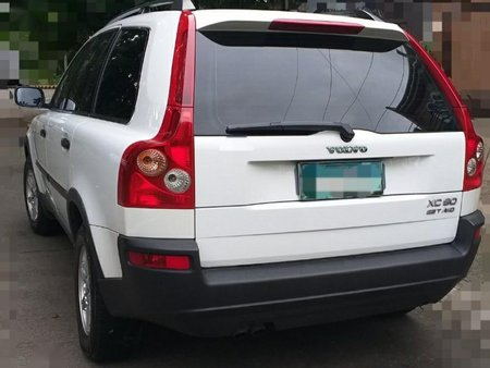 Selling White Volvo Xc90 for sale in Manila