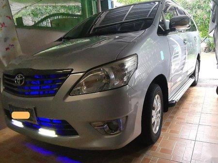 Selling White Toyota Innova for sale in Manila