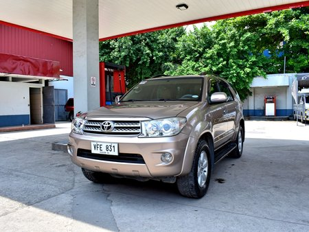 2011 Toyota Fortuner G AT 698t Nego Batangas Area