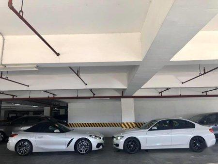 Selling White Bmw 320D in Bonifacio