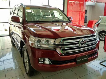 Sell Black Toyota Land Cruiser in Quezon City