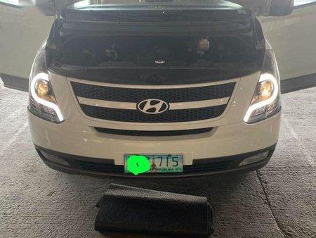Sell White 2012 Hyundai Starex in Manila