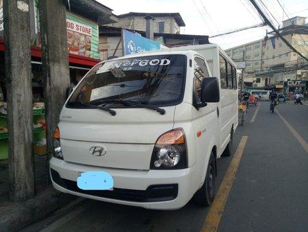 2016 HYUNDAI H-100