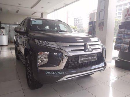 Selling White Mitsubishi Montero in Manila