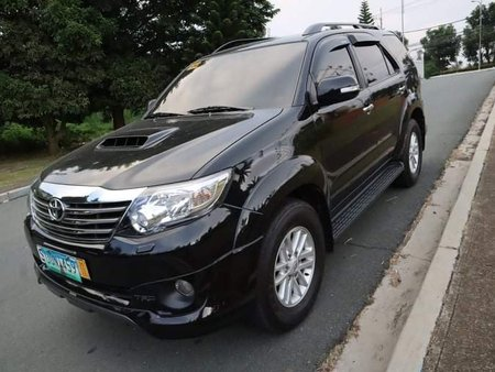 2013 Toyota Fortuner v 4x4 automatic trd series