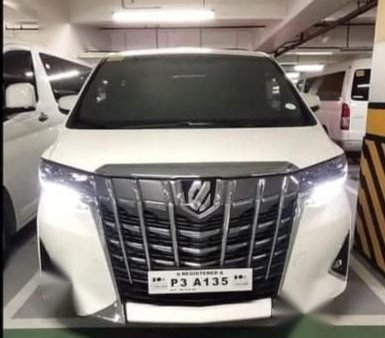 Sell Pearl White Toyota Alphard in Manila