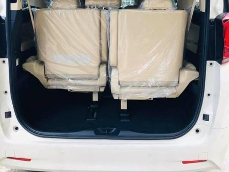 White Toyota Alphard for sale in Manila