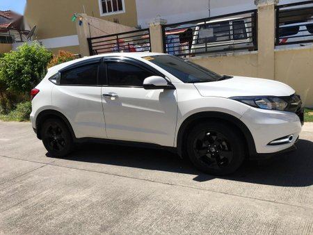 White Honda Hr-V for sale in Molino