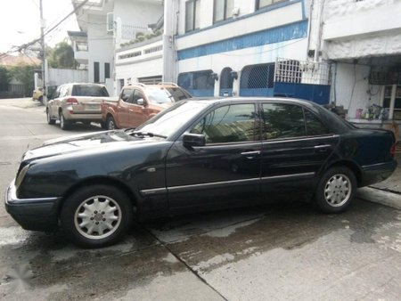 Sell Black 1999 Mercedes-Benz E-Class in Manila