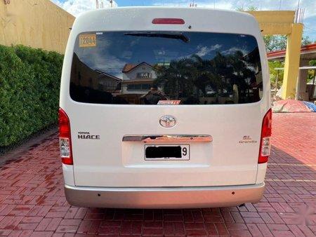 Pearl White Toyota Hiace Grandia 2014 for sale in Quezon City