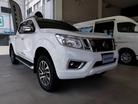 Selling Pearl White Nissan Navara in Quezon City