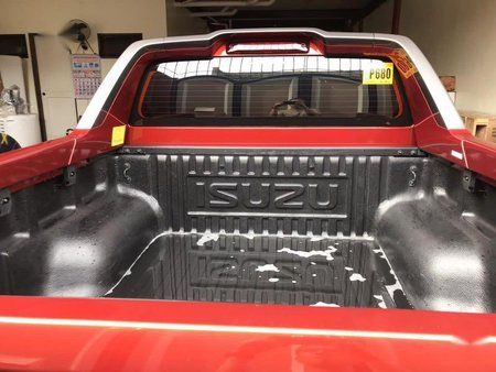 Sell Red 2018 Isuzu D-Max in Quezon City