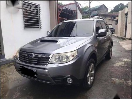Selling Silver Subaru Forester 2010 in Valenzuela