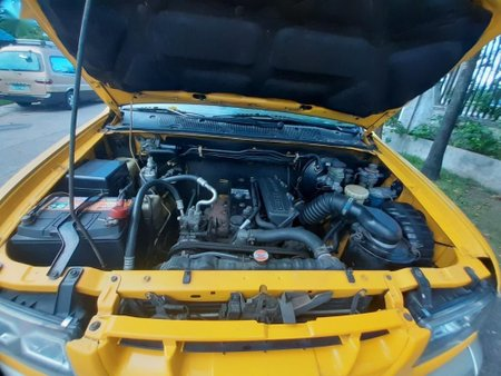 Sell Yellow 2004 Isuzu Crosswind in Manila