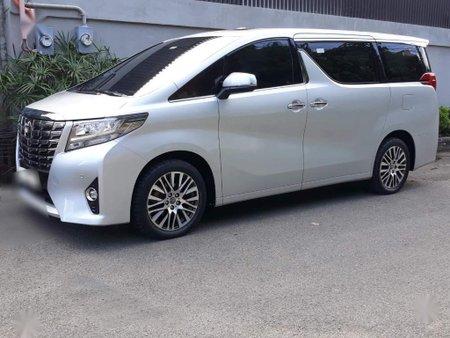 Sell Silver 2016 Toyota Alphard in Cebu City