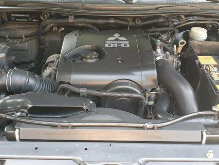 Black Mitsubishi Montero Sport 2011 for sale in Valenzuela