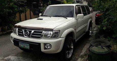 White Nissan Patrol Super Safari best prices for sale