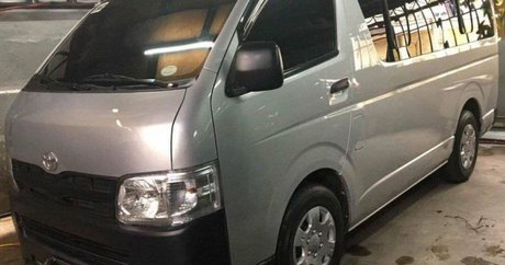 Toyota Hiace Van price from ₱250,000 to ₱500,000 for sale