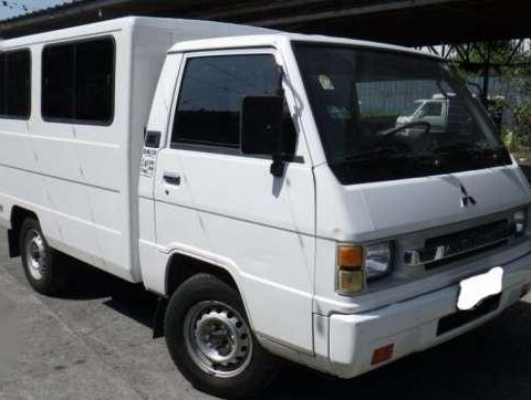 2010 Mitsubishi L300 FB Deluxe Diesel Manual