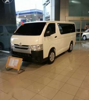 Hiace commuter van for uv express for sale