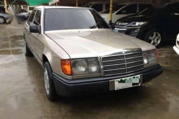 1988 Mercedes Benz 260E