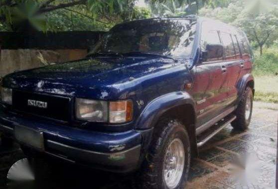 Isuzu Trooper Blue 1990 AT For Sale