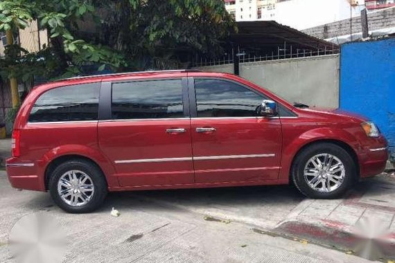 2009 Chrysler Town And Country AT Red Van