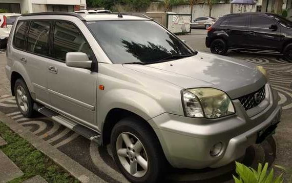 Silver 2004 Nissan Xtrail 4x2 FOR SALE